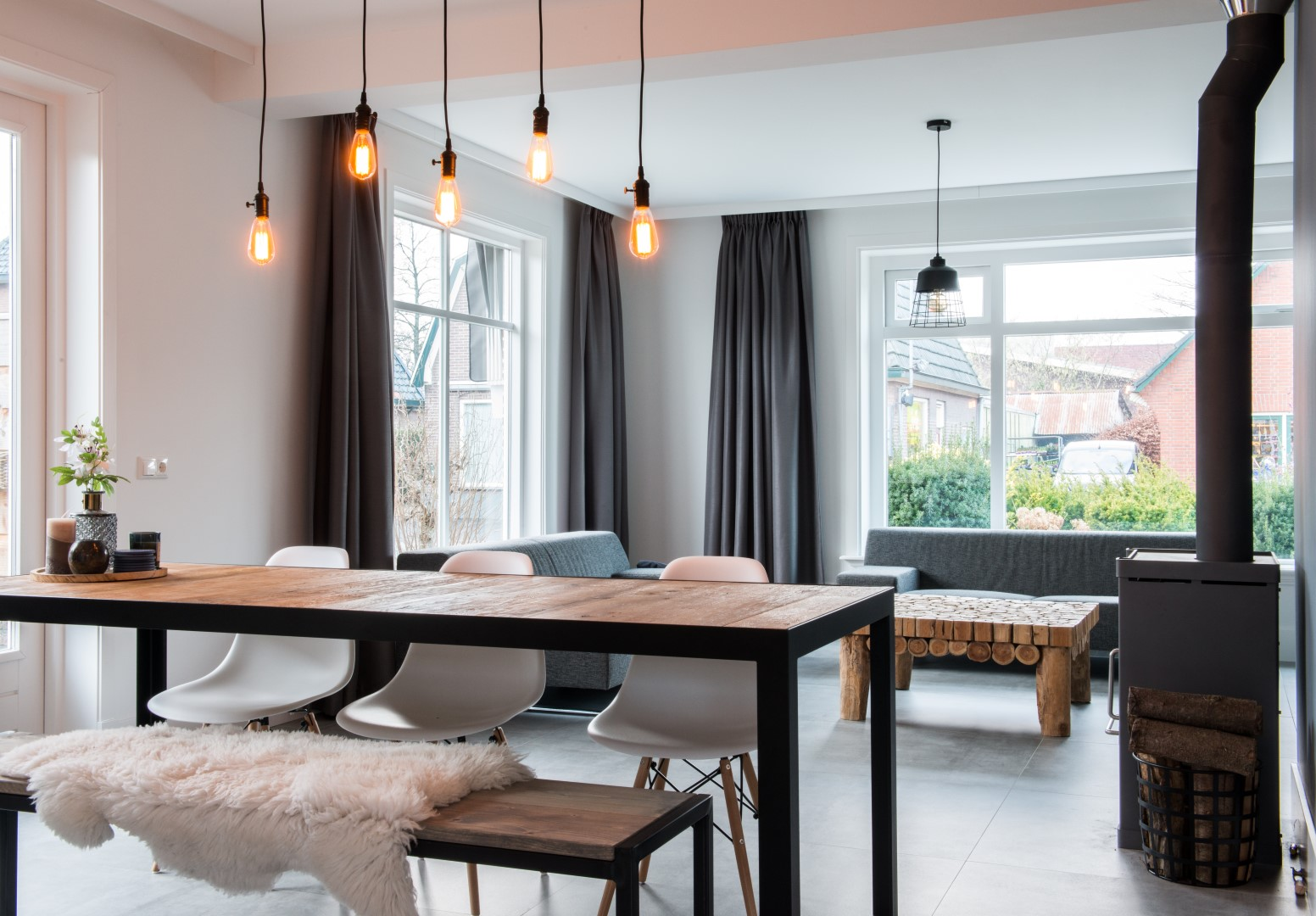 https://peterseninterieur.nl/wp-content/uploads/2018/01/woonkamer-meubel-op-maat.jpg