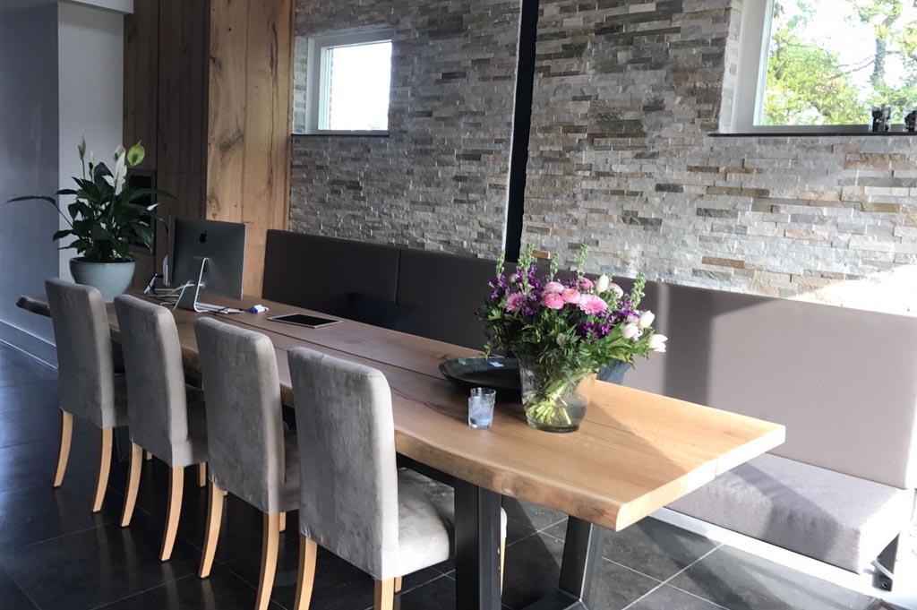 tafel loungeruimte op maat
